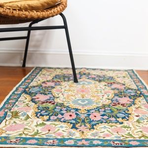 Other - Floral Woven Accent Rug